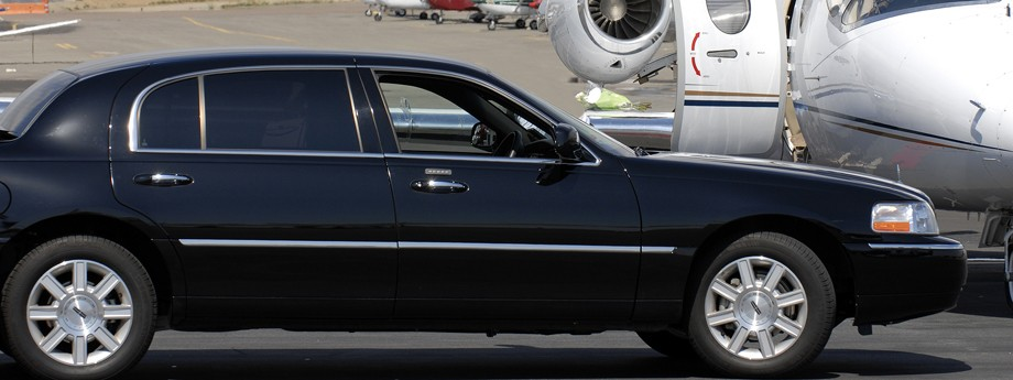 Limo-at-Airport
